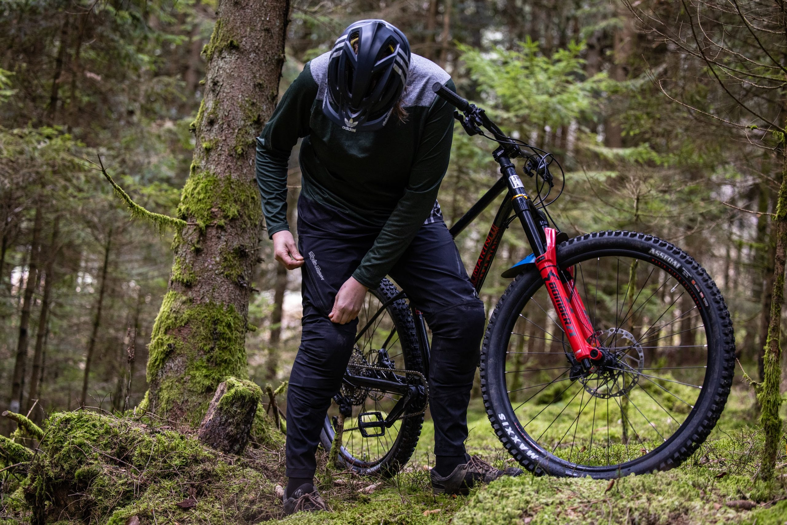 Troy Lee Designs Resist Pant und Skyline Chill Jersey
